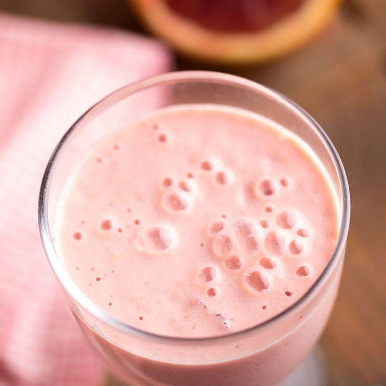 Our blood orange creamsicle smoothie helps keep energy sustained and sugar levels in balance.