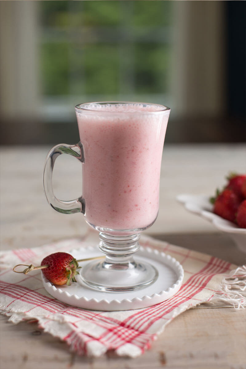 Sparkling Strawberry Smoothie | Stonyfield